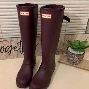 NWT Hunter tall purple boots